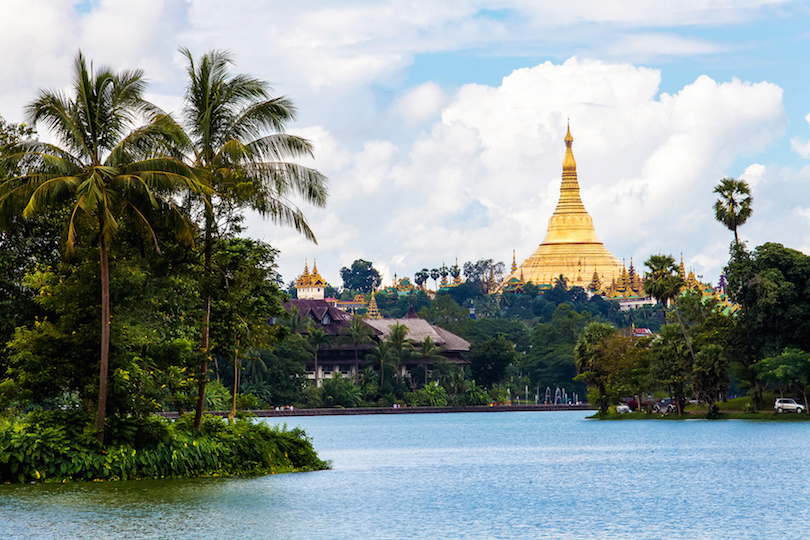 Shwedagon pagoda in Yagon
