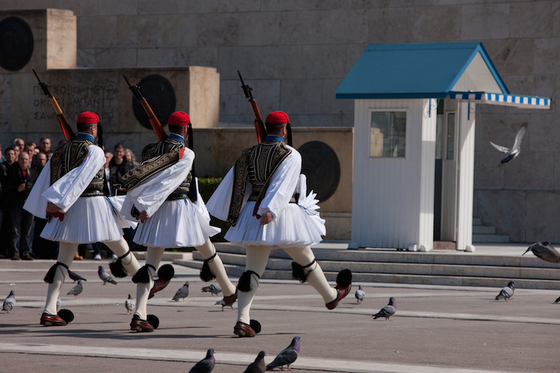 Evzoni regiment arrival