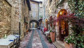 14 Gorgeous Small Towns in Italy (with Photos & Map) - Touropia