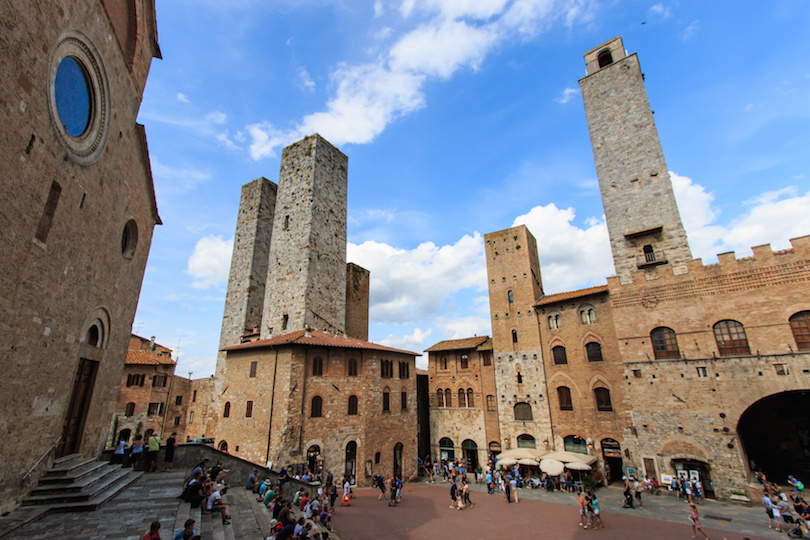 Central sqaure of San Gimignano, Tuscany