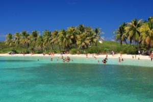 5 Stunning Islands Near Cancun