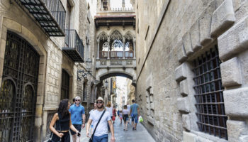 25 Top Tourist Attractions in Barcelona (with Photos & Map) - Touropia