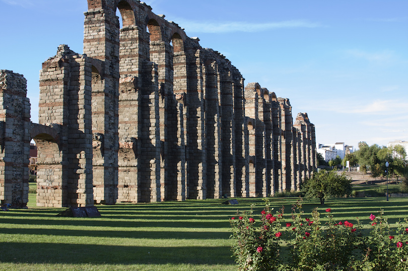 Aqueduct of The Miracles