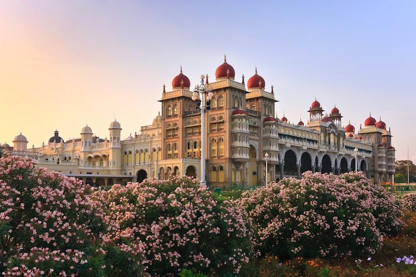Remembering Tartaria - Page 2 Mysore_palace