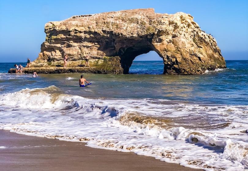 Playa estatal de puentes naturales