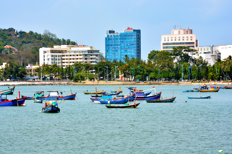 17 Best Cities to Visit in Vietnam (with Photos & Map