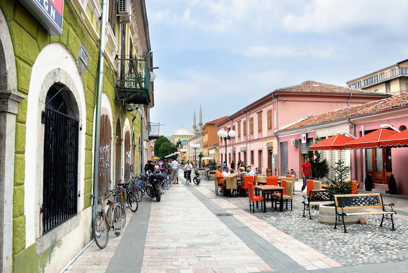 https://www.touropia.com/gfx/d/best-places-to-visit-in-albania/shkodra.jpg?v=ac6ef17ae962b9c1a087e38efbe18fea