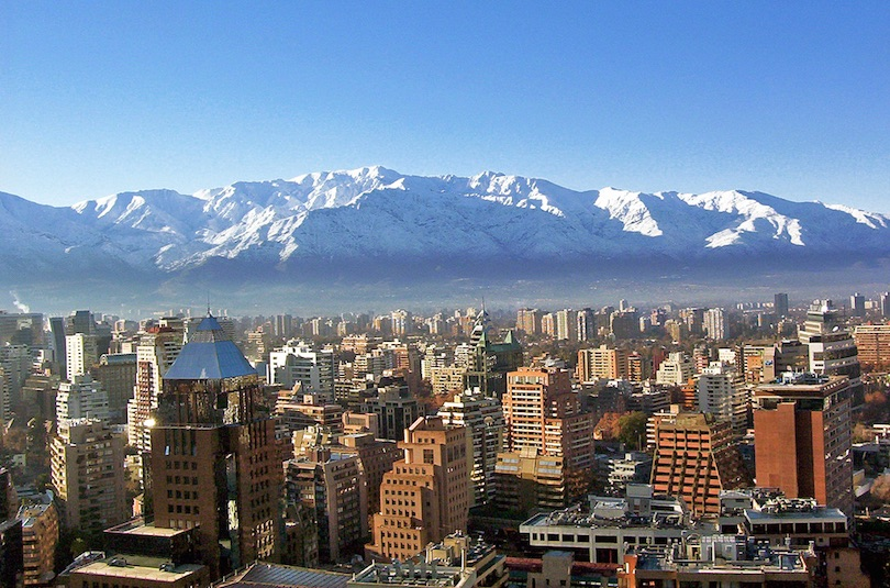 https://www.touropia.com/gfx/d/best-places-to-visit-in-chile/santiago.jpg?v=3b800f7ade1443c196e73e73df87eff8