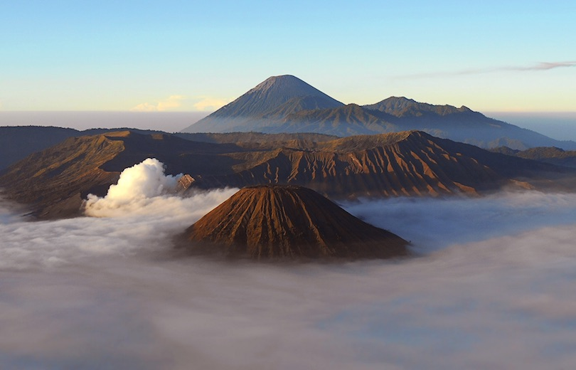 https://www.touropia.com/gfx/d/best-places-to-visit-in-indonesia/bromo_tengger_semeru_national_park.jpg?v=d8ba98bc85f6ae3bb724ff9f03078eb7