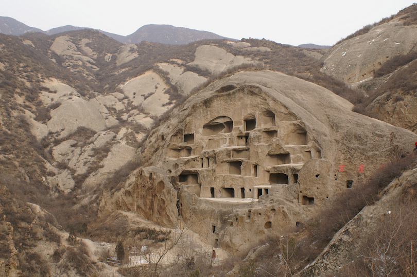 10 Fascinating Cave Dwellings in the World (with Photos & Map