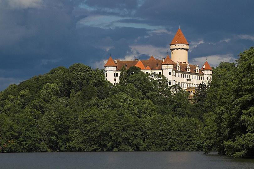 قلعة كونوبيست تعرف على مدينة براغ