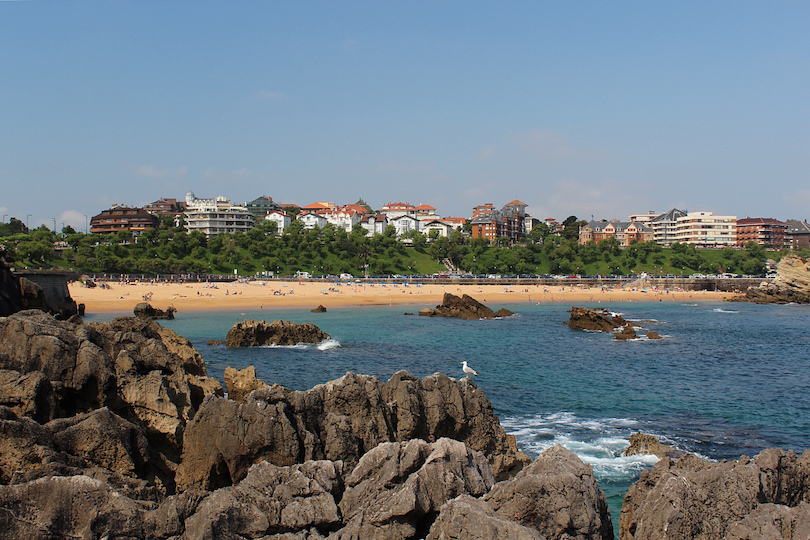 12 Best Beach Holiday Destinations in Spain (with Photos & Map ...