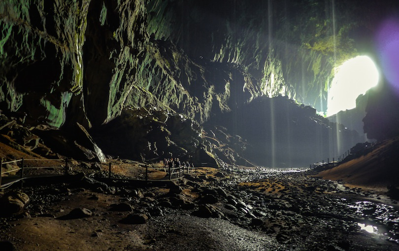 The surreal underground cave of Tham Khoun Xe - Unusual Places |Underground Cave
