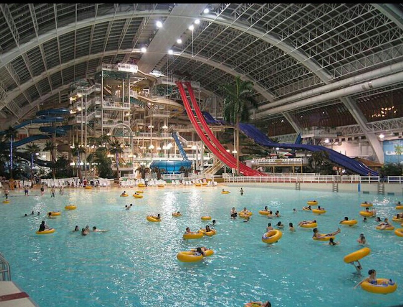6 Largest Indoor Water Parks in the World (with Photos & Map