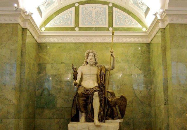 TATUAGEM E APRESENTAÇÃO Statue_of_zeus_at_olympia