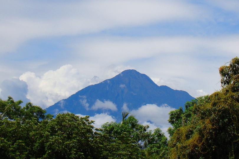 آتشفشان تاکانا